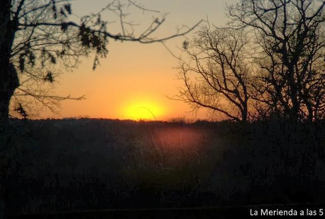 Atardecer by La Merienda a las 5